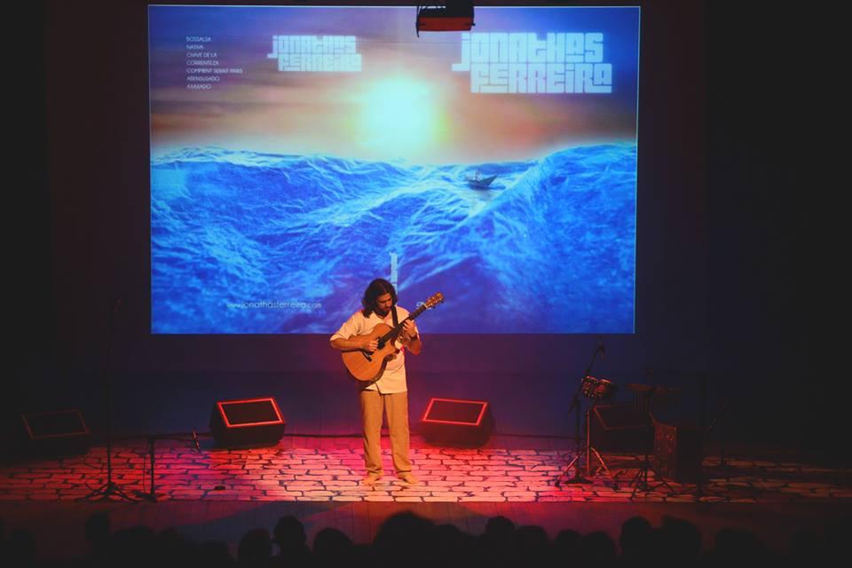 No palco - Jonathas Ferreira Violão Fingerstyle - Planeta Música